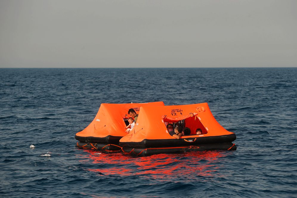 Life rafts from the Greek company Lalizas: Crimes at the border, paid for by European citizens