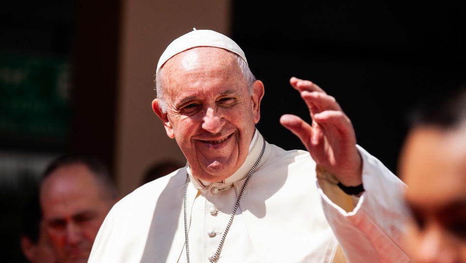"""Papst Franziskus (Archivbild): """"Wir müssen ein Gesetz für nicht eheliche Lebenspartnerschaften entwerfen"""""""