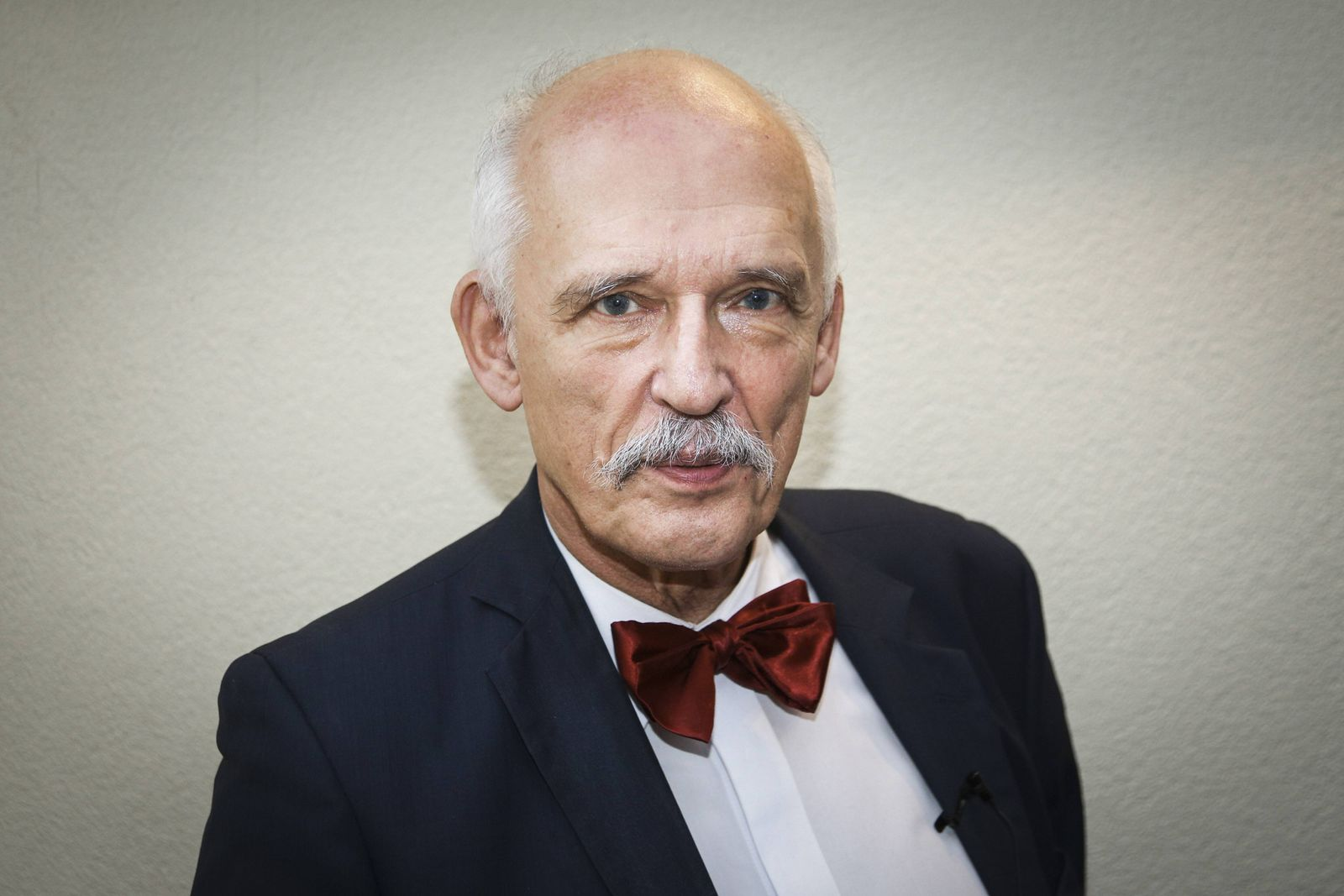 EINMALIGE VERWENDUNG Janusz Korwin-Mikke
