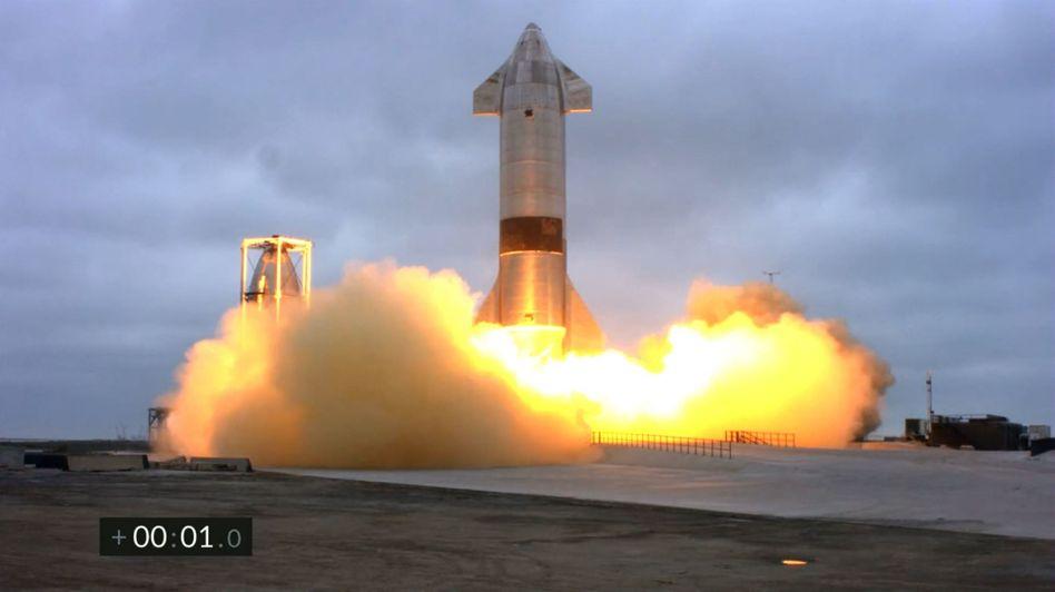 Die SN-15-Rakete während der Landung: Erster Erfolg nach Explosionen von vier Vorgängermodellen
