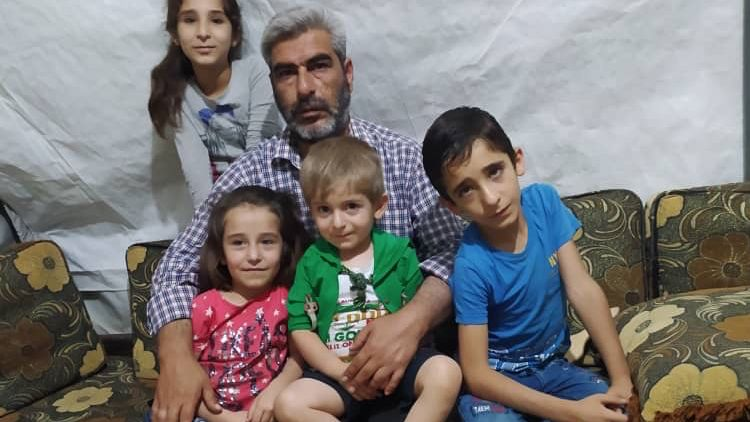 Ein privates Foto aus dem Juni: Omer Hajj Abdo mit vier der sechs Kinder