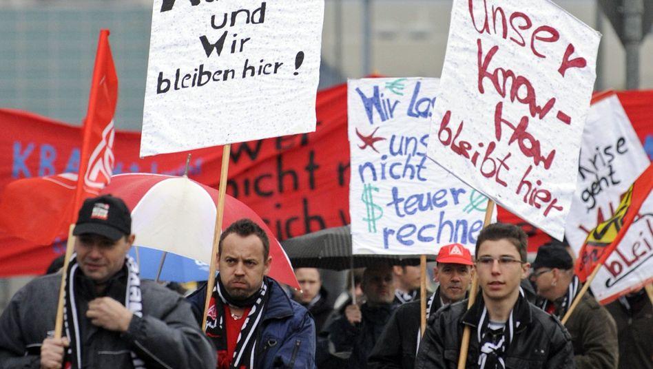 Protest gegen Standortwechsel: Daimler-Mitarbeiter stoppen Produktion