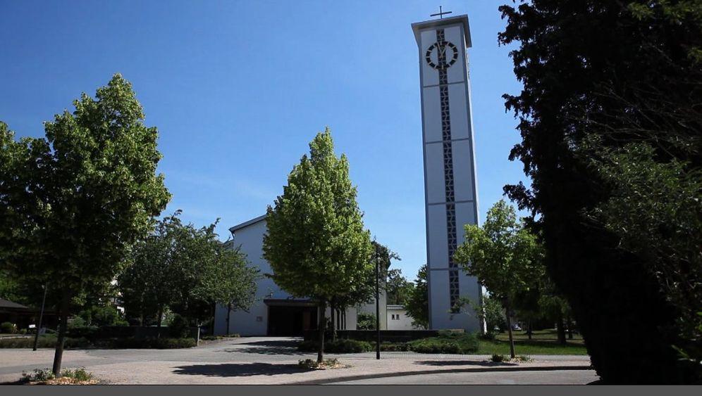 Kirche in Goldscheuer: Eine Kirche voller Schafe