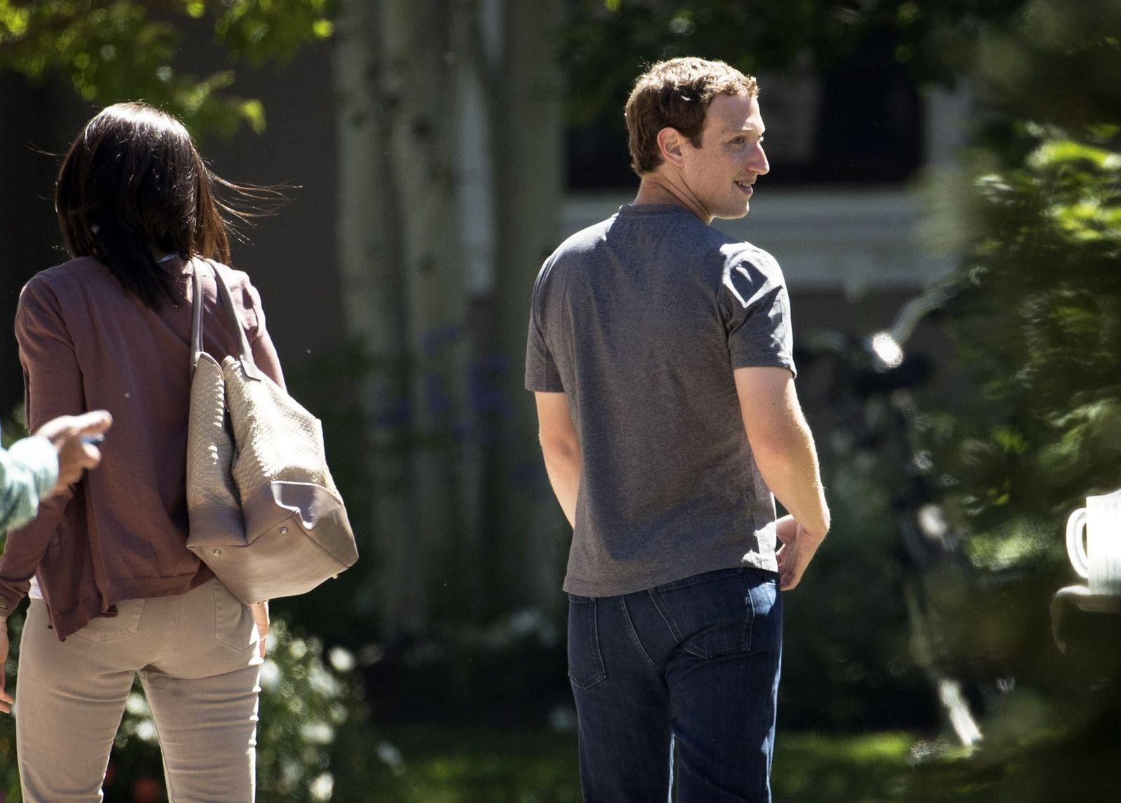 Sheryl Sandberg / Mark Zuckerberg