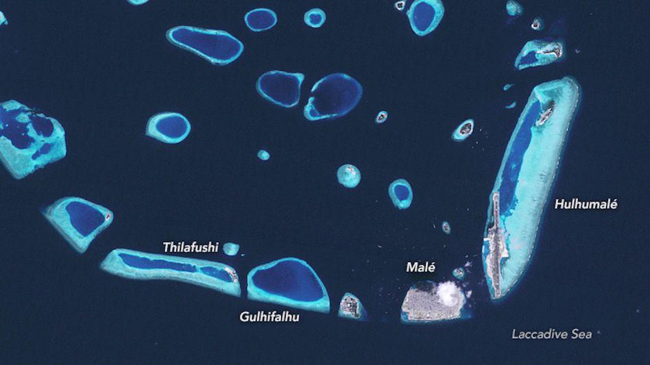 Satelliten-Blick auf die Malediven