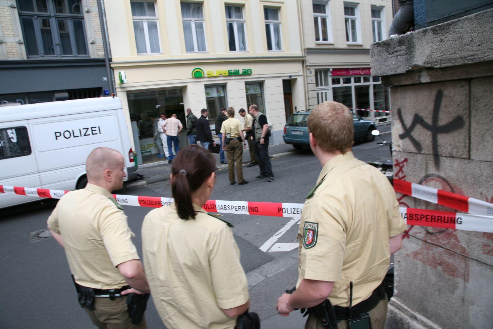 EINMALIGE VERWENDUNG Supa Salad-Mord in Köln