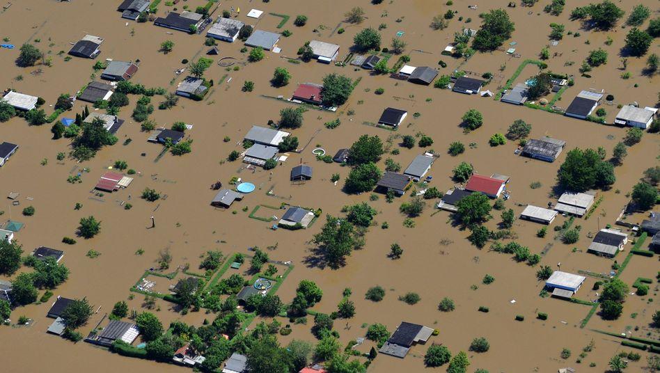 Überschwemmte Siedlung in Halle im Jahr 2013