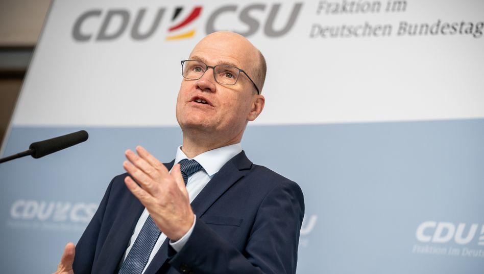 Unionsfraktionschef Ralph Brinkhaus: Inwieweit verstieß Amthor gegen das Abgeordnetengesetz?