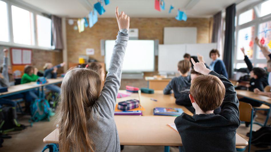 Schülerinnen und Schüler müssen in den kommenden Monaten die Lernrückstände aufholen.