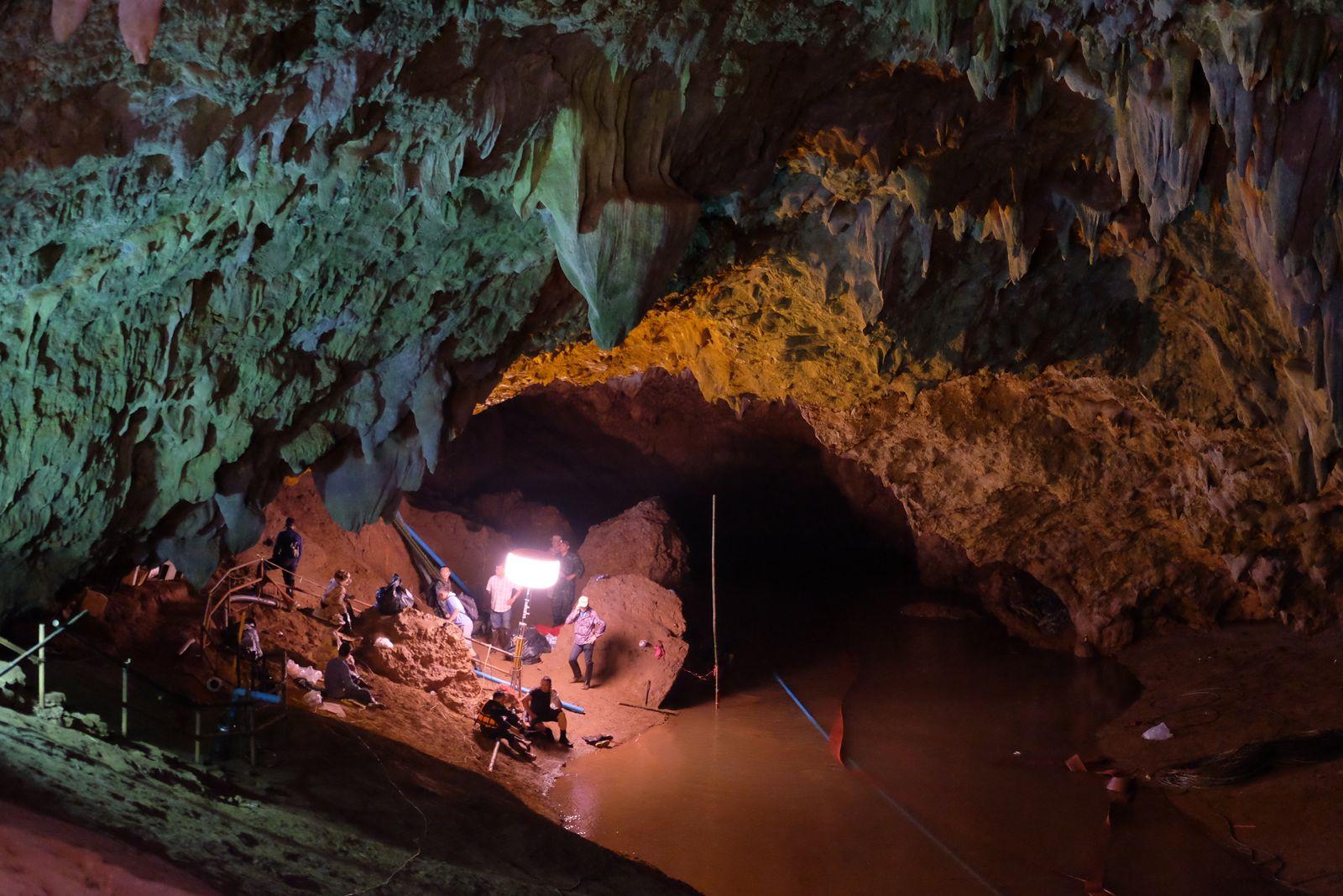 Thailand/ Höhlenrettung