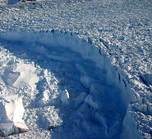 Grönlands Eisdecke: Jährlich schmelzen 240 Kubikkilometer weg