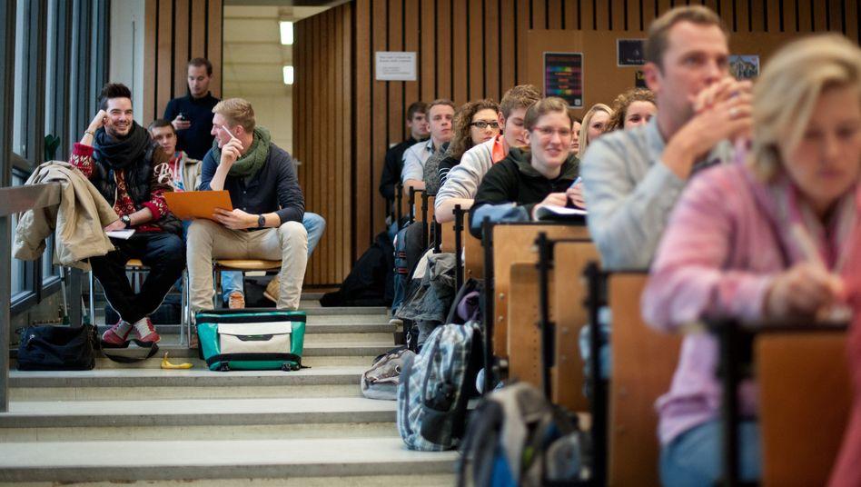 Hörsaal in Hildesheim: Die Sozialerhebung untersucht die Akademiker von morgen