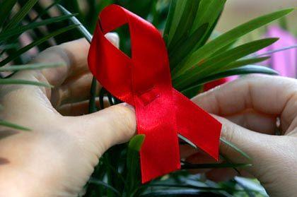 Solidarität im Aids-Opfern: Betroffene haben immer höhere Lebenserwartung