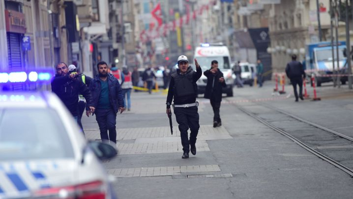 Fotostrecke: Terror in der Unabhängigkeitsstraße