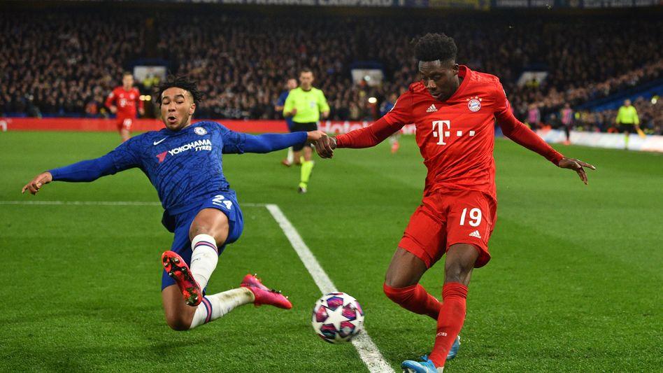 Bayerns Davies im Achtelfinal-Hinspiel (3:0) in London gegen den FC Chelsea