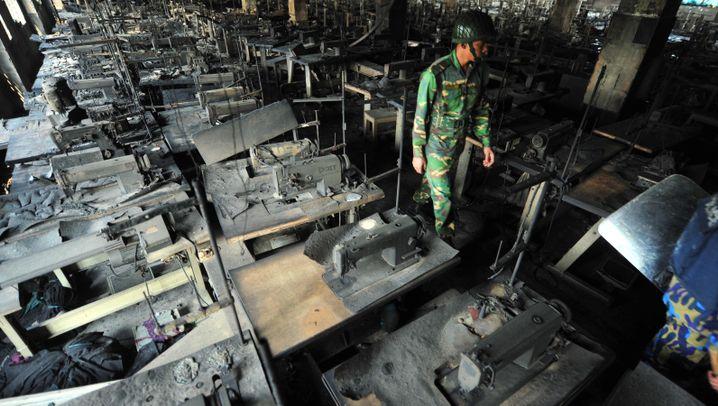 Bangladesch: Textilfabrik wird zum Feuerkessel