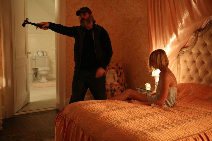 "Joaquin Phoenix und Ekaterina Samsonov in dem Amazon-Film ""A Beautiful Day"" von Lynne Ramsay"