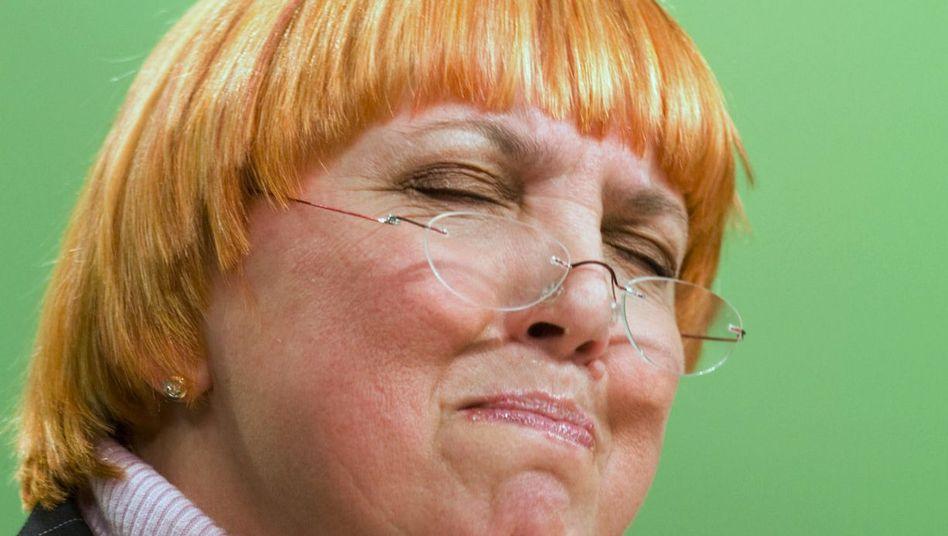 Grüne Claudia Roth: Grauen im Archiv