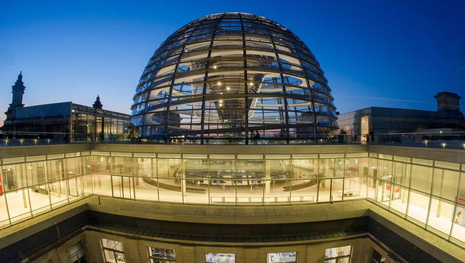 """Reichstagskuppel: """"Angriff nicht endgültig abgewehrt und beendet"""""""