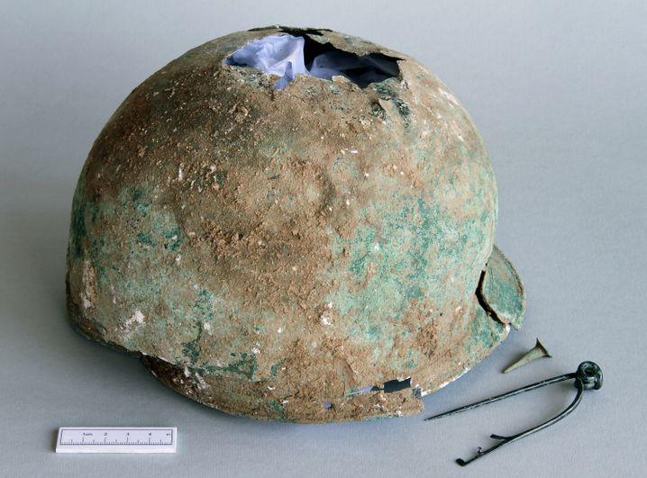 Helm als Urne: Fundstück aus der Nähe der englischen Stadt Canterbury