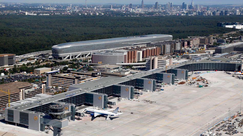 Luftaufnahme vom neuen Flugsteig A-Plus: Viel Platz für Großraumjets