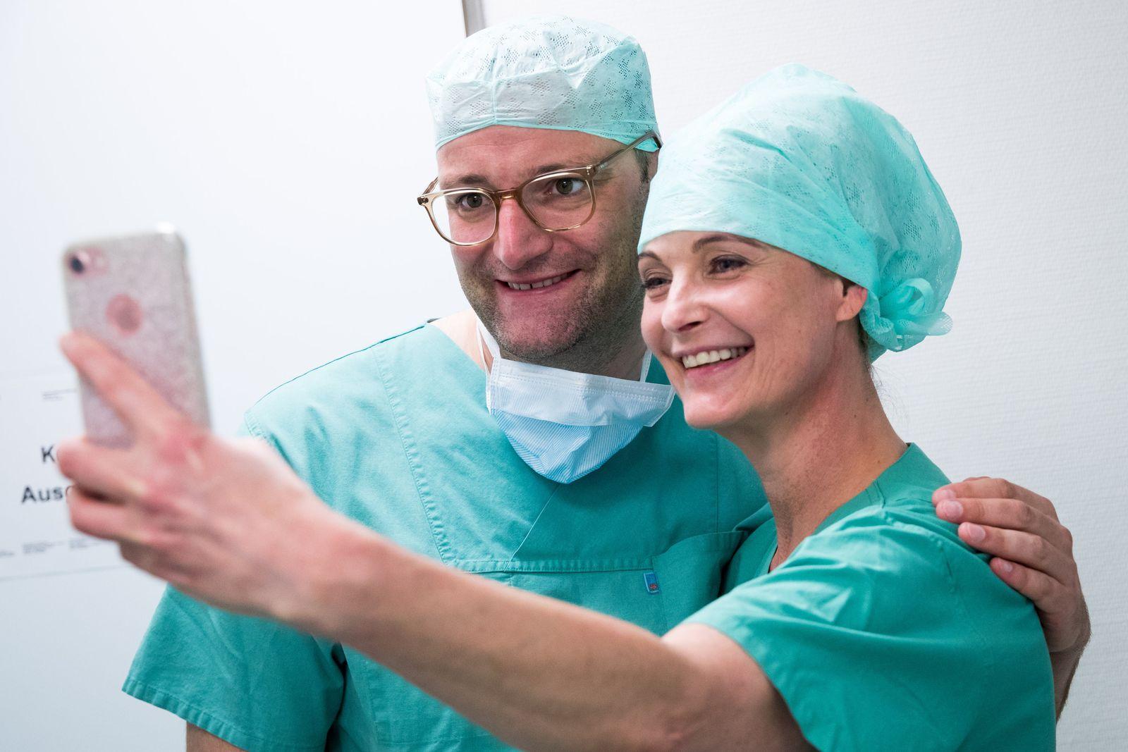 Bundesgesundheitsminister Spahn besucht Martini-Klinik