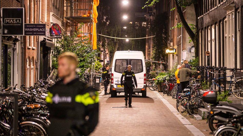 Polizisten am Tatort in Amsterdam