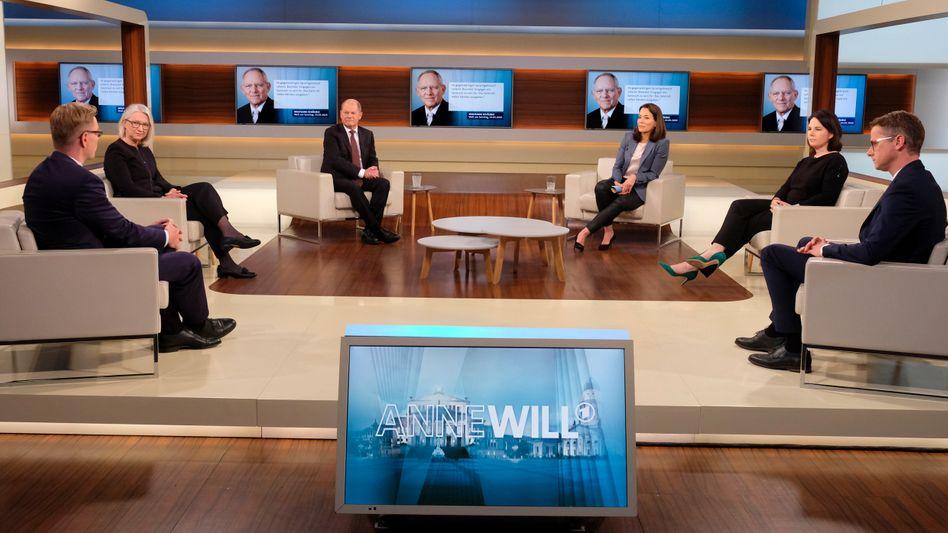"""Anne Will mit Gästen:Laut Carsten Linnemann (r.) müsse es einen """"europäischen Mehrwert"""" geben"""
