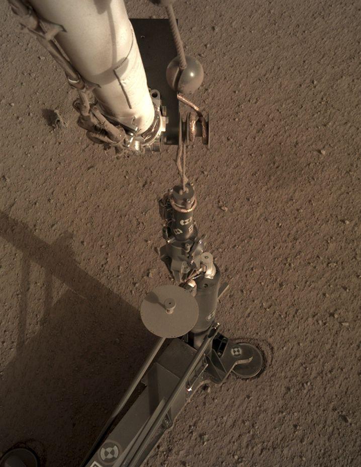 """""""HP3"""" auf dem Mars - hier noch vor dem Start der Hämmerei"""