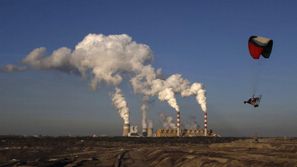 Kohlemine und Kraftwerk Belchatow in Polen