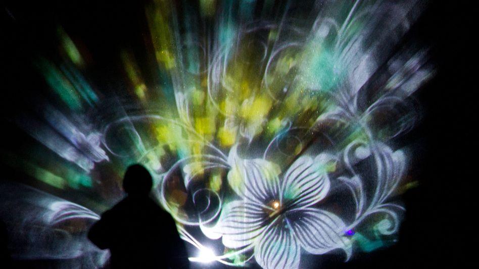 Lichtinstallation des Künstlers Wolfgang Flammersfeld