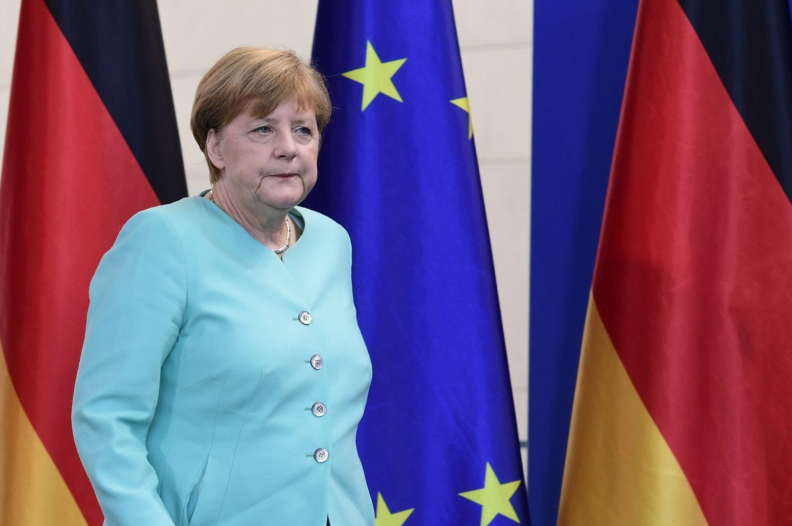 Angela Merkel / EU / Flaggen