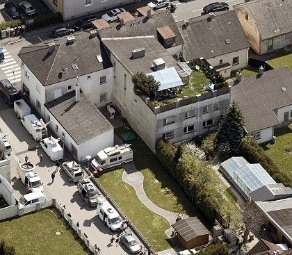 An aerial view of the house on Ybbsstrasse.