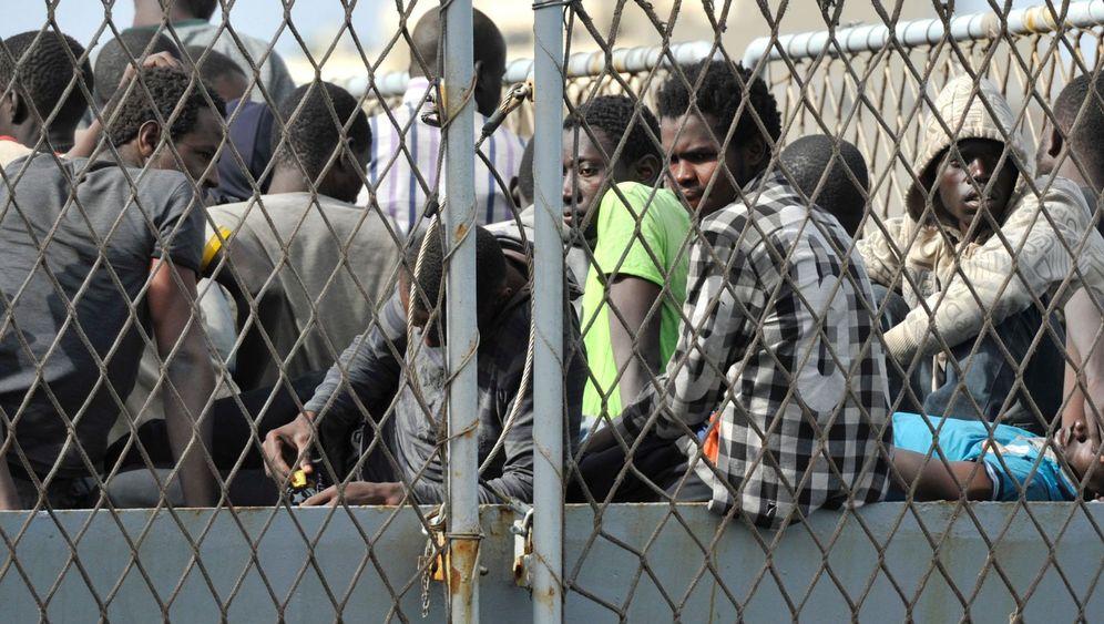 Flüchtlinge in Italien: Tödliche Passage