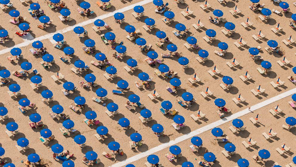 Strand in Italien: Versprechungen von Leere
