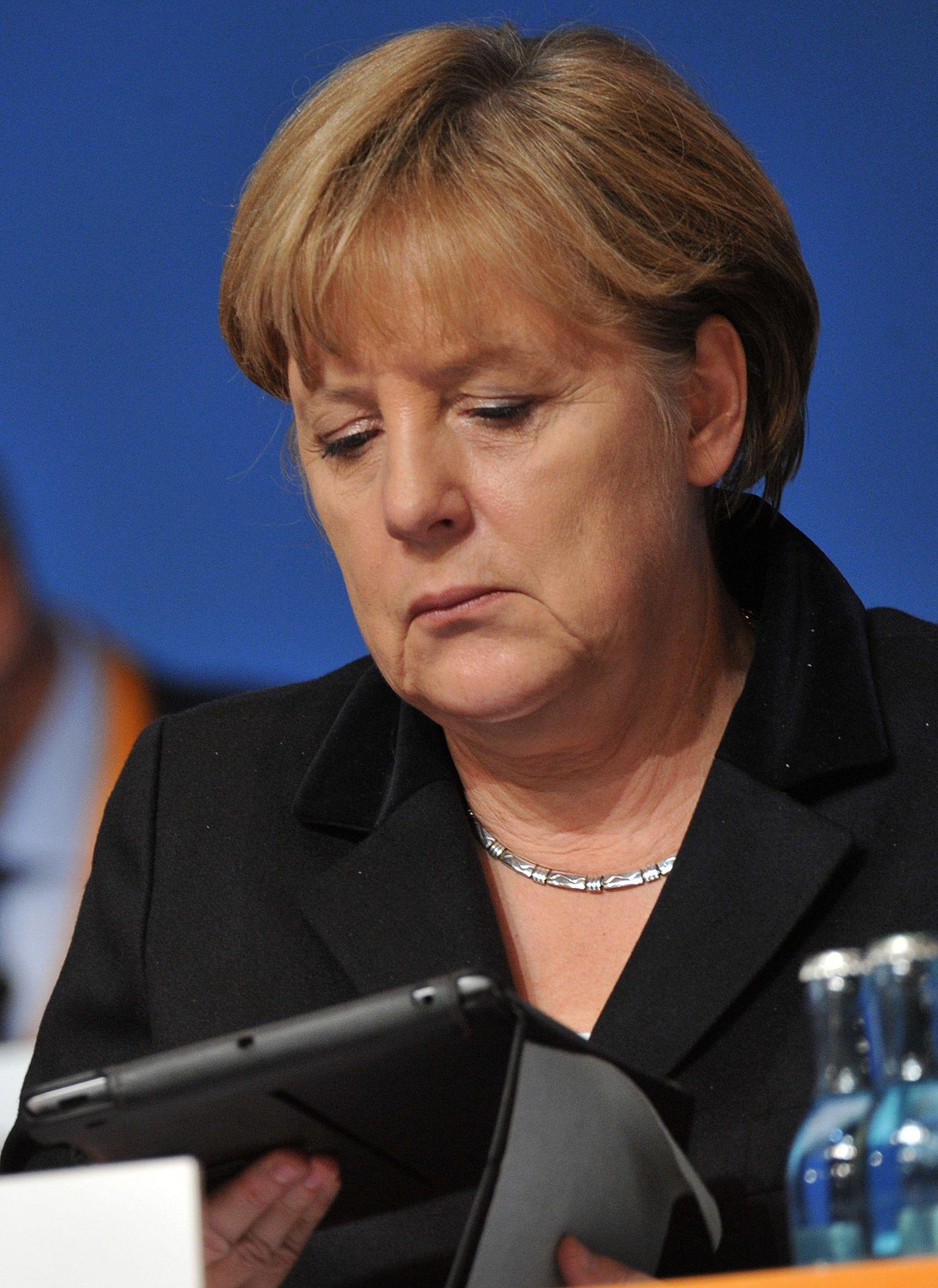 Merkel mit iPad