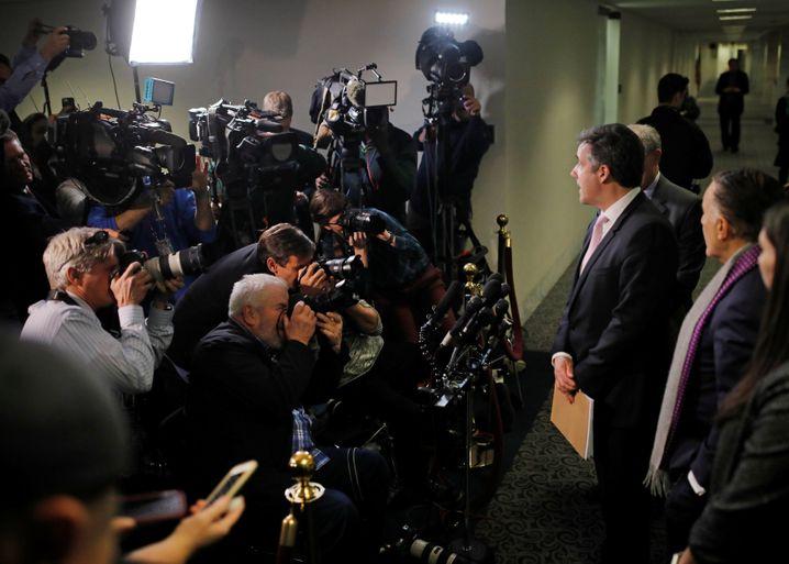 Cohen (r.) nach seiner Aussage