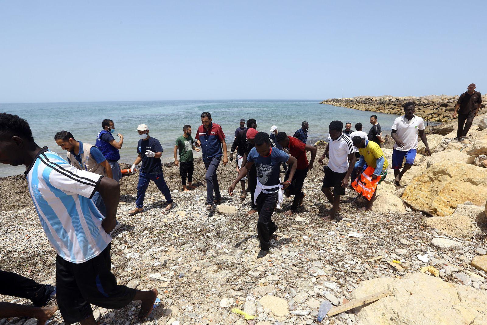Flüchtlinge vor der Küste Libyens