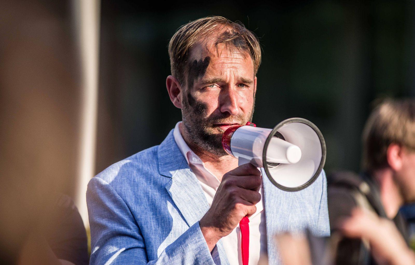 EINMALIGE VERWENDUNG Philipp Ruch