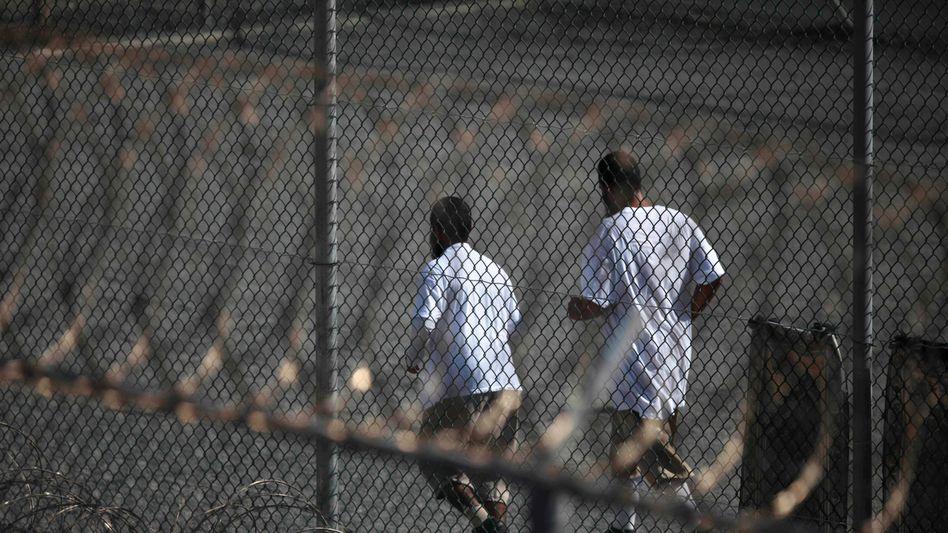 Häftlinge in Guantanamo (2010): Erste Überstellung in der Amtszeit Bidens