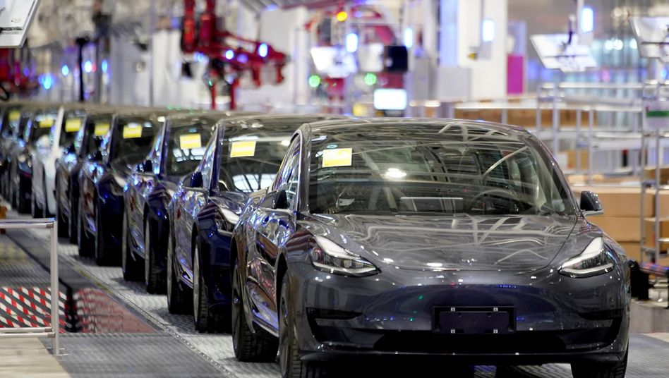 Fertigung des Tesla Model 3 in Shanghai: Der Bau einer Fabrik in Brandenburg ist einen Schritt näher gerückt