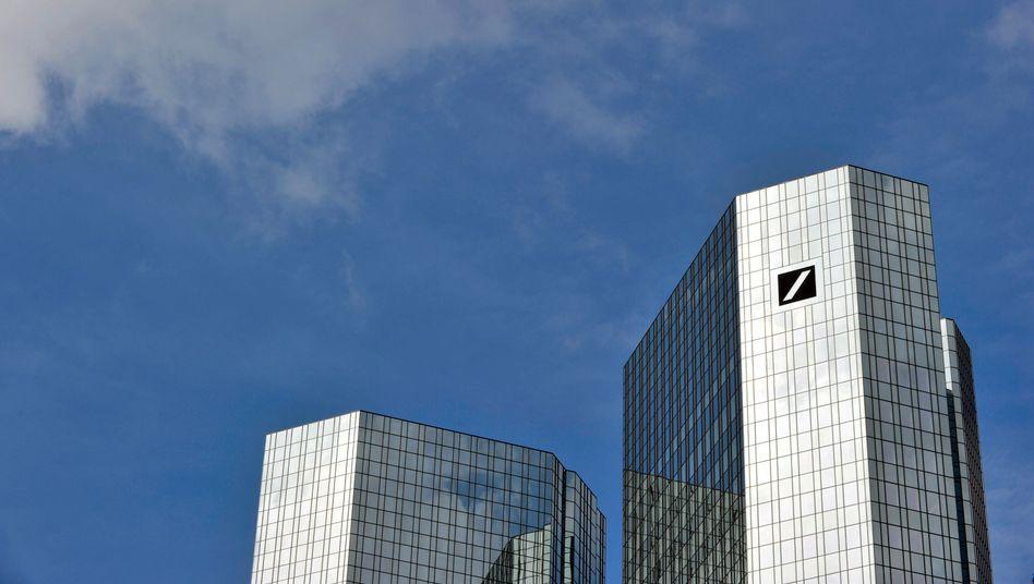 Zentrale der Deutschen Bank in Frankfurt am Main: Rückzug auf eigenen Wunsch