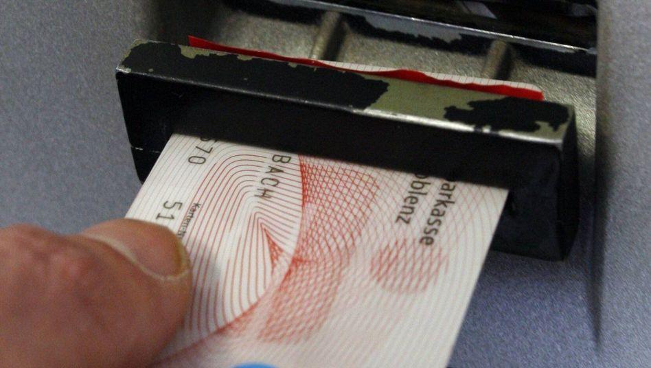 Sparkassen-Karte: Bis zu 30 Millionen Giro- und Kreditkarten machen Probleme