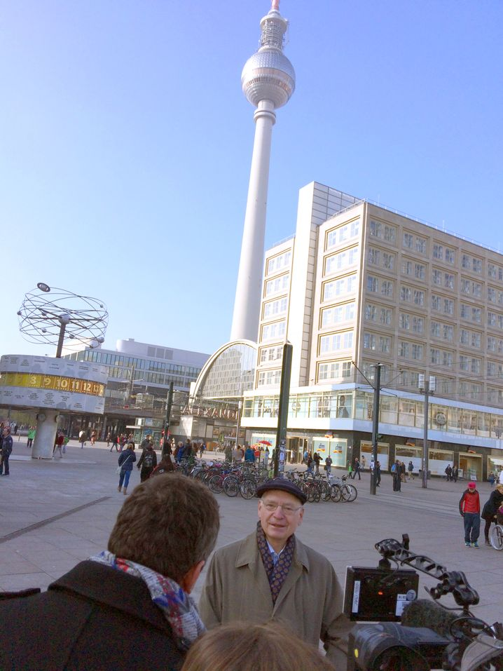 """Beinah-Bundespräsident Reich beim Interview auf dem Alex: """"Der Osten musste mal im Westen vorkommen"""""""