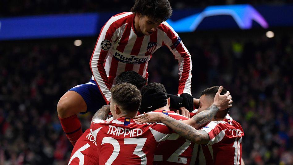 Oben auf: Atléticos João Félix und seine Teamkollegen stehen im Achtelfinale