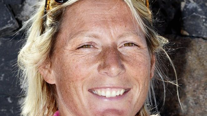 Die britische Profiseglerin Ehler, 38, geborene Seager, nimmt als Mitglied des Teams SCA am Volvo Ocean Race teil, das am kommenden Samstag in Alicante beginnt. Sie ist verheiratet mit dem Flensburger Segler Thomas Ehler, der für die Organisatoren des Rennens arbeitet.