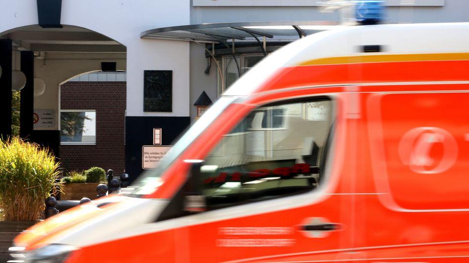 Haupteingang der Düsseldorfer Uniklink, die von der Schadsoftware DoppelPaymer lahmgelegt wurde