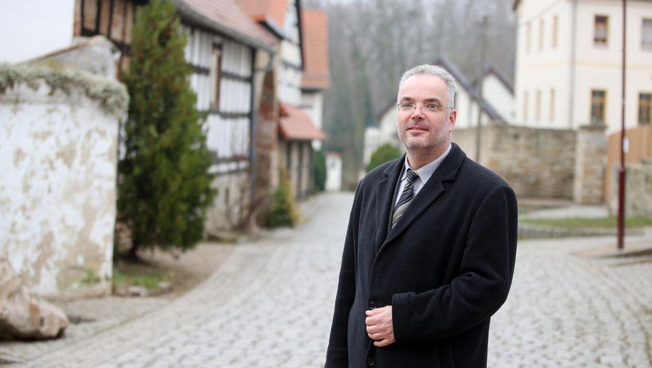 Ex-Bürgermeister Nierth: Rücktritt nach NPD-Demo