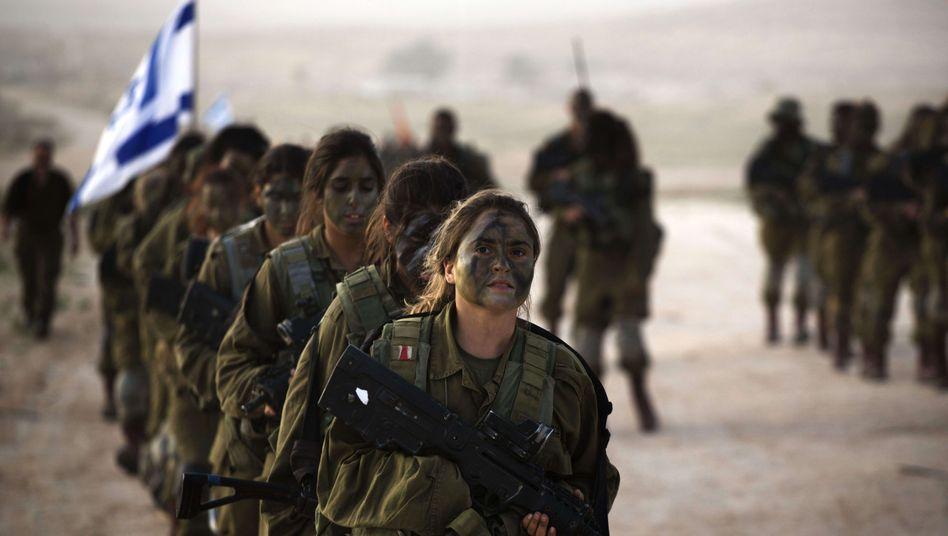 In vielen Teilen der israelischen Armee sind Frauen zugelassen – nur die profiliertesten bleiben ihnen versperrt (Archivfoto)