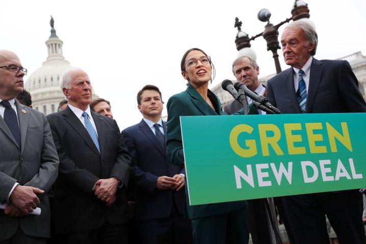 """Ocasio-Cortez bei der """"Green New Deal""""-Vorstellung"""